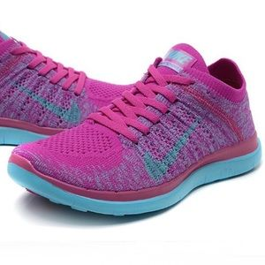 NIKE Free Run 4.0 Flyknit 💕Athletic Shoes Size 7